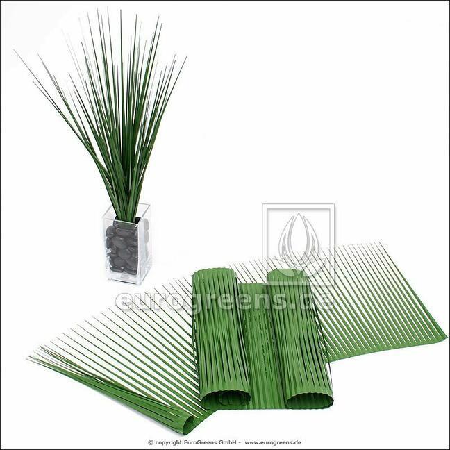Źdźbła sztucznej trawy 75 x 90 cm